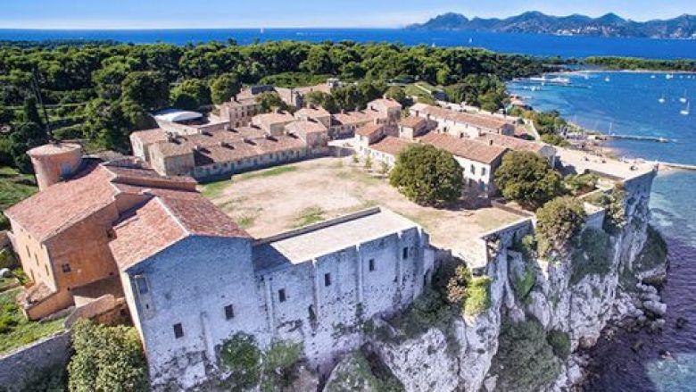 Le musée de la Mer est situé dans le Fort royal de l'île Sainte-Marguerite. / © Ville de Cannes