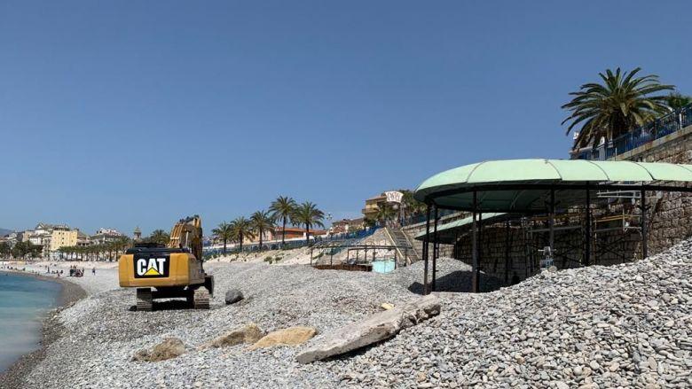 Le montage de Castel Plage, à Nice, a débuté jeudi dernier. / © DR
