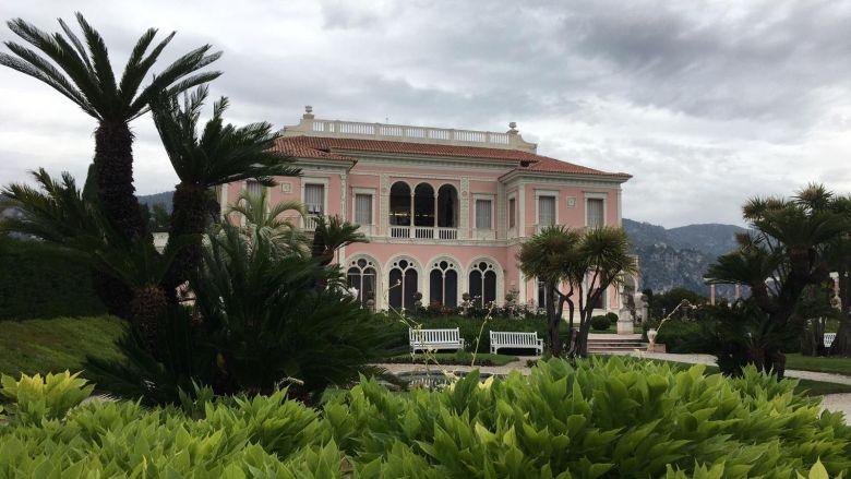 La villa a été construite entre 1905 et 1912 à Saint-Jean-Cap-Ferrat par la baronne Béatrice Ephrussi de Rothschild. / © Véronique Varin/FTV
