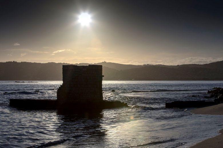 La plage des ondes, près du cap d'Antibes. / © Claude Piot
