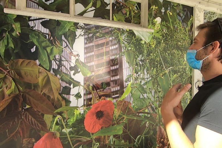 Une photo de Sinem Bostanci exposée au 109, à Nice, dans le cadre du Festival L'image satellite. / © FTV