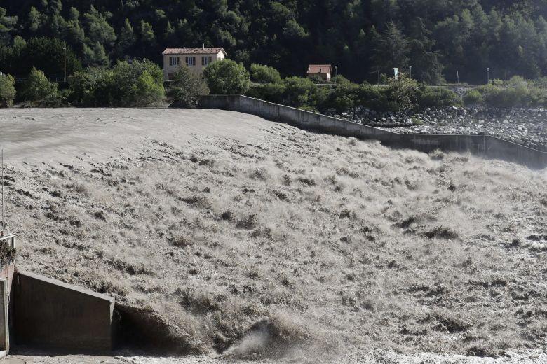 Tempête Alex dans les Alpes-Maritimes en octobre 2020 : le Var en crue / © Frédéric SPEICH / MAXPPP