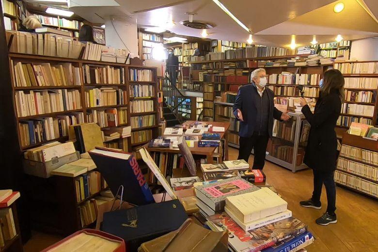 """L'éditeur Frédéric Ovadia, dans la librairie Brouillon de culture : """" / © Frédéric Tisseaux"""