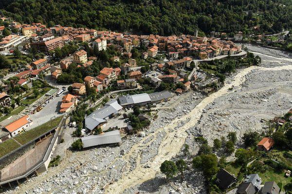 Saint-Martin-Vésubie, trois jours après les inondations.