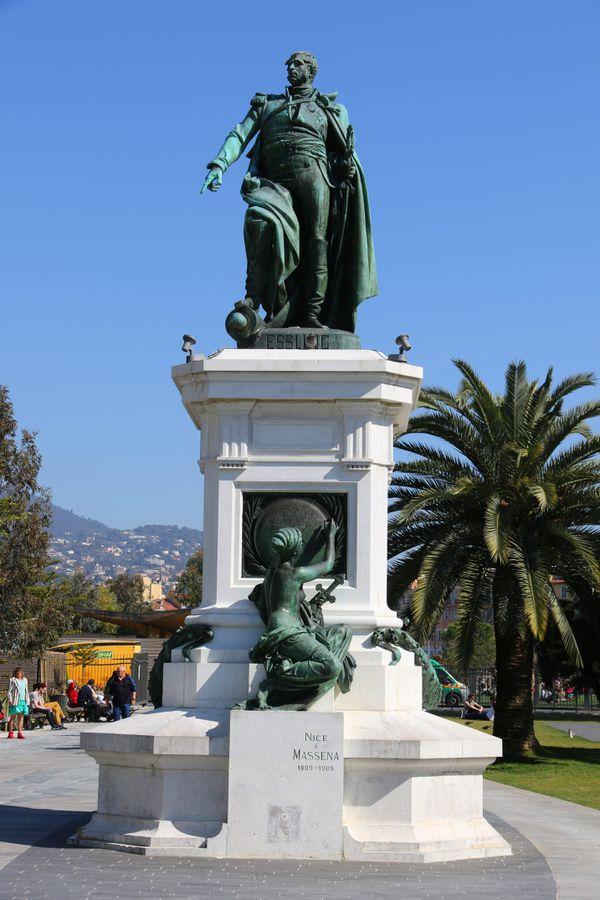 Statue du maréchal Masséna à Nice.