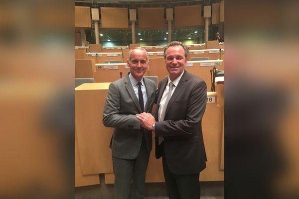 L'ex maire de Vence Loïc Dombreval et Renaud Muselier, nouveau président de la région Provence Alpes-Côte d'Azur en 2017.