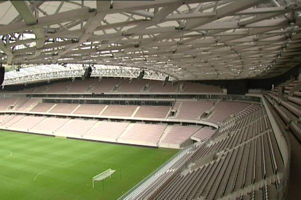 Les tribunes vides du stade de l'Allianz Riviera à Nice.