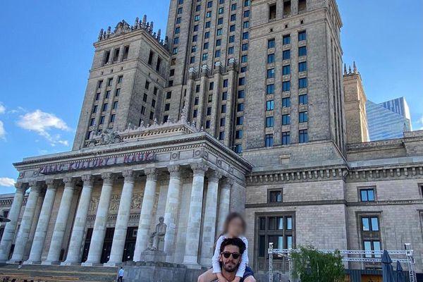 Romain Cadière et sa fille en promenade à Varsovie en Pologne