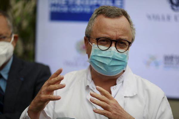 Le professeur Charles-Hugo Marquette, médecin pneumologue à l'hôpital Pasteur du CHU de Nice fait le point sur les vaccins.