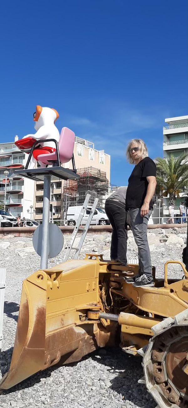 Dès le matin de l'inauguration de cette plage accessible aux chiens qui a eu lieu le 23 juin Stéphane Bolongaro installait son premier Totor.